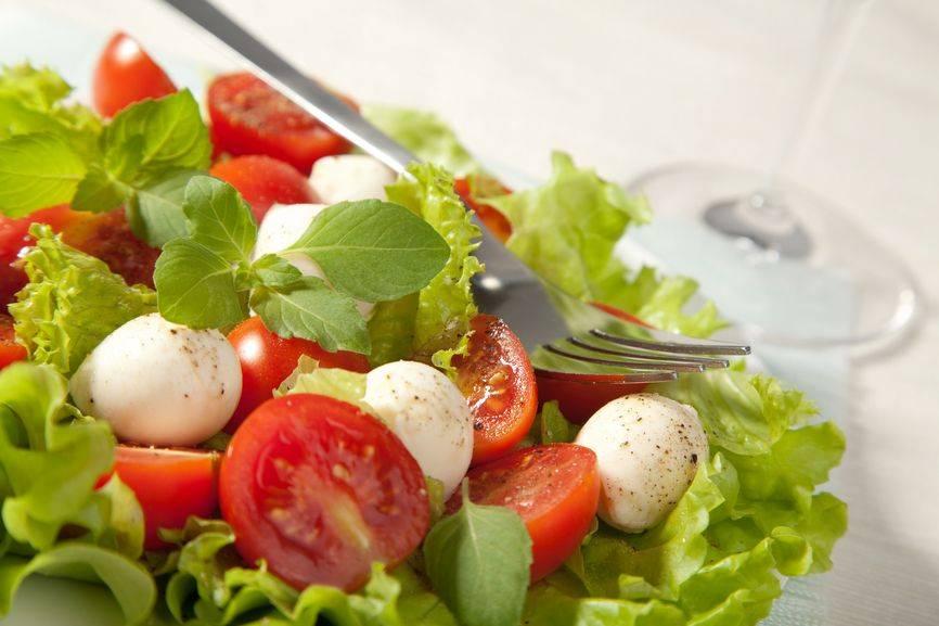 Салаты для кормящих мам: простые рецепты полезных блюд