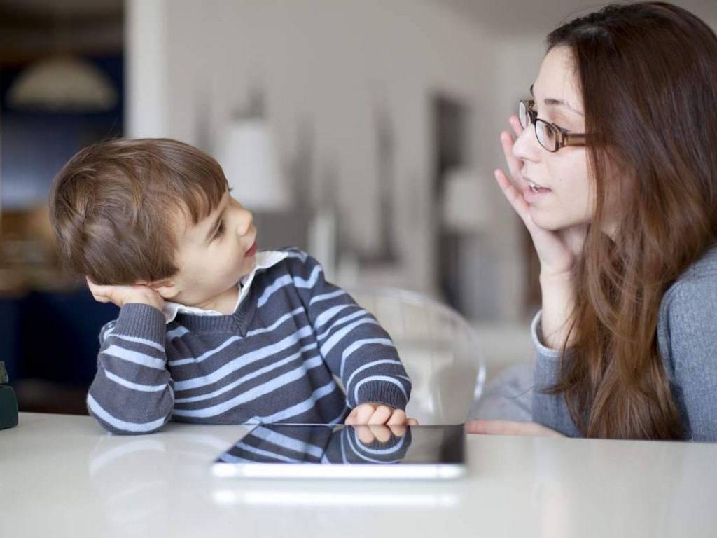 5 маминых фраз, которыми она неосознанно унижает ребенка