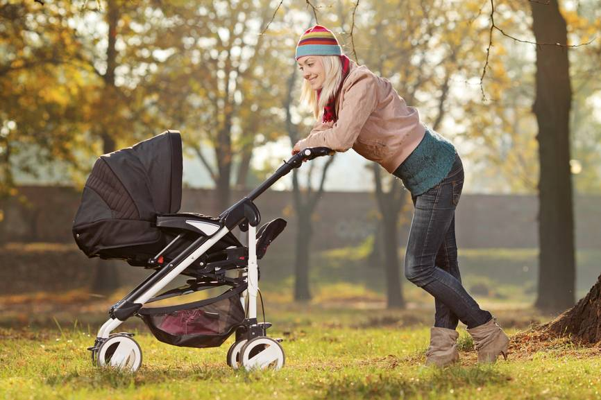 Что взять на прогулку с ребенком: список для мамы