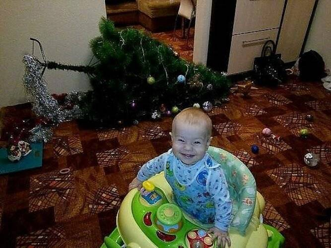 Как украсить елку, если в доме маленький ребенок: топ-9 безопасных игрушек