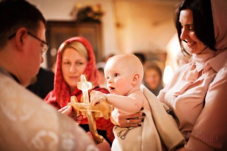 Крестить ли ребенка некрещеным родителям? . можно ли крестить ребенка, если родители не крещеные