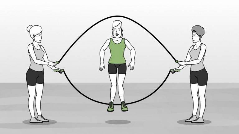 10 упражнений со скакалкой, которые заставят вас пересмотреть отношение к этому снаряду