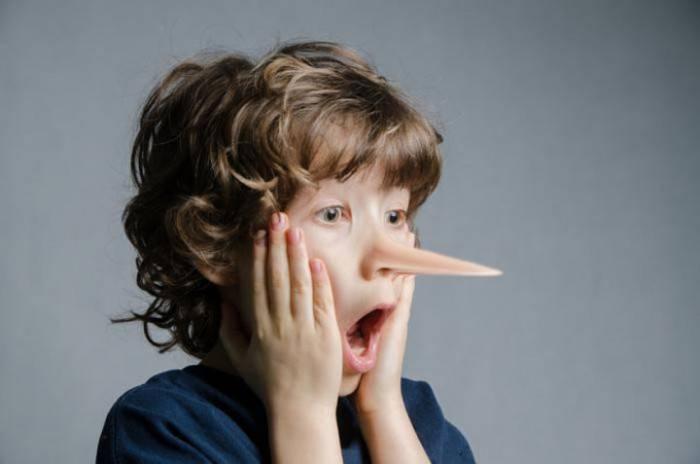 Почему ребенок врет: 7 основных причин