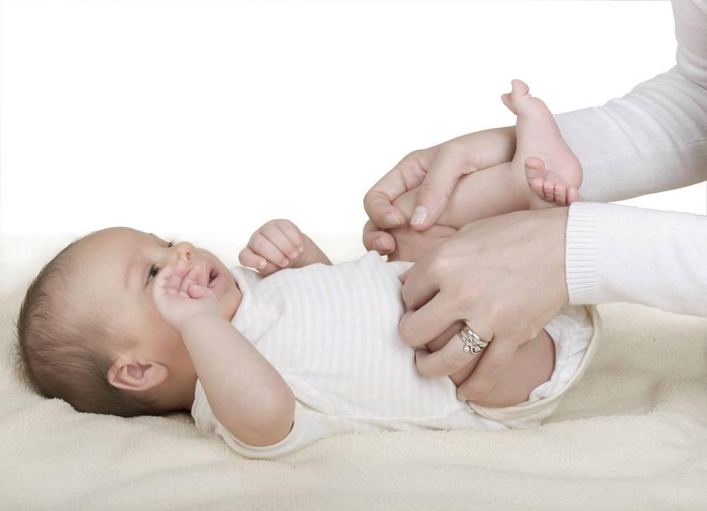 Газики у новорождённого: 6 способов помощи младенцу