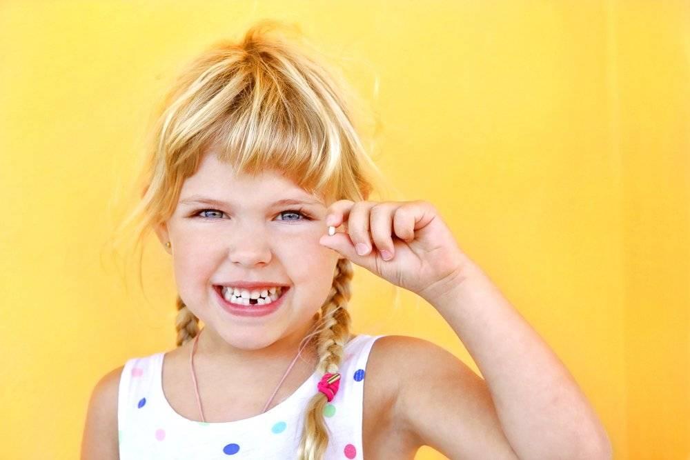 Корчить рожи: почему ребенок кривляется и как с этим справиться - parents.ru