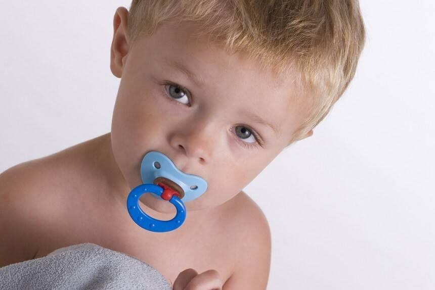 Как быстро и без слез отучить ребенка от соски
