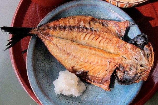 Правильная рыба в рационе кормящей мамы