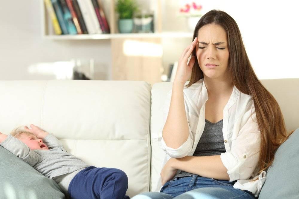 Ребенок плачет из-за ерунды: что делать?