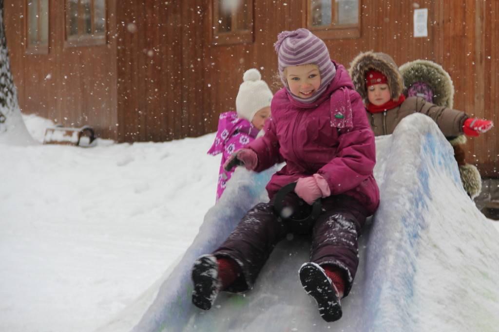 Веселый сценарий зимних игр на улице для детей любого возраста