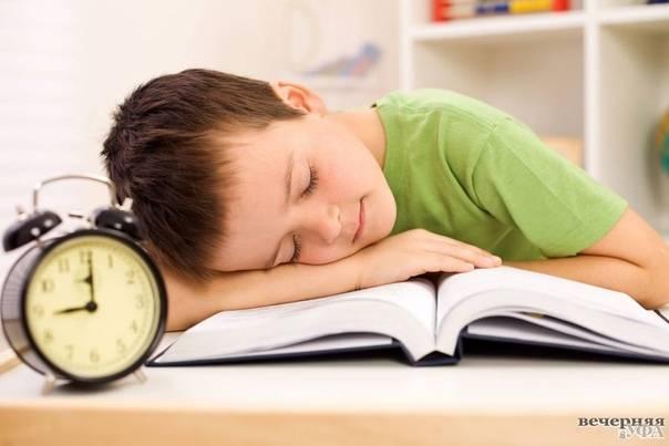 Почему грудной ребенок мало спит днем и ночью | месячный ребенок мало спит: что делать