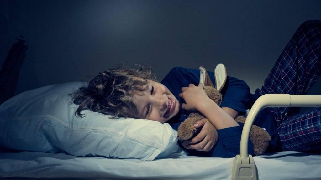 Как уложить ребенка спать: 21 странный, но работающий способ