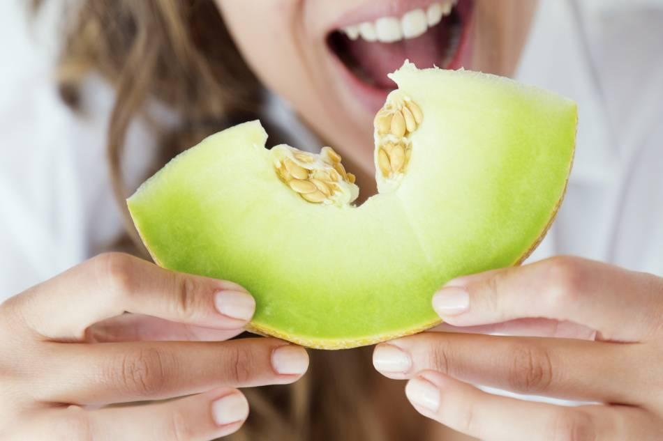 Что нельзя есть и делать после ультразвуковой чистки зубов: через сколько времени можно кушать и пить кофе – правила и профессиональные рекомендации от стоматолога
