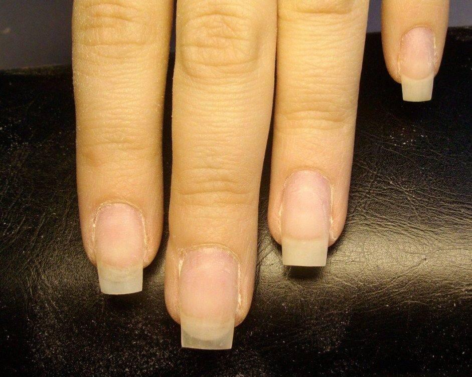 Можно ли наращивать ногти во время беременности? возможные последствия