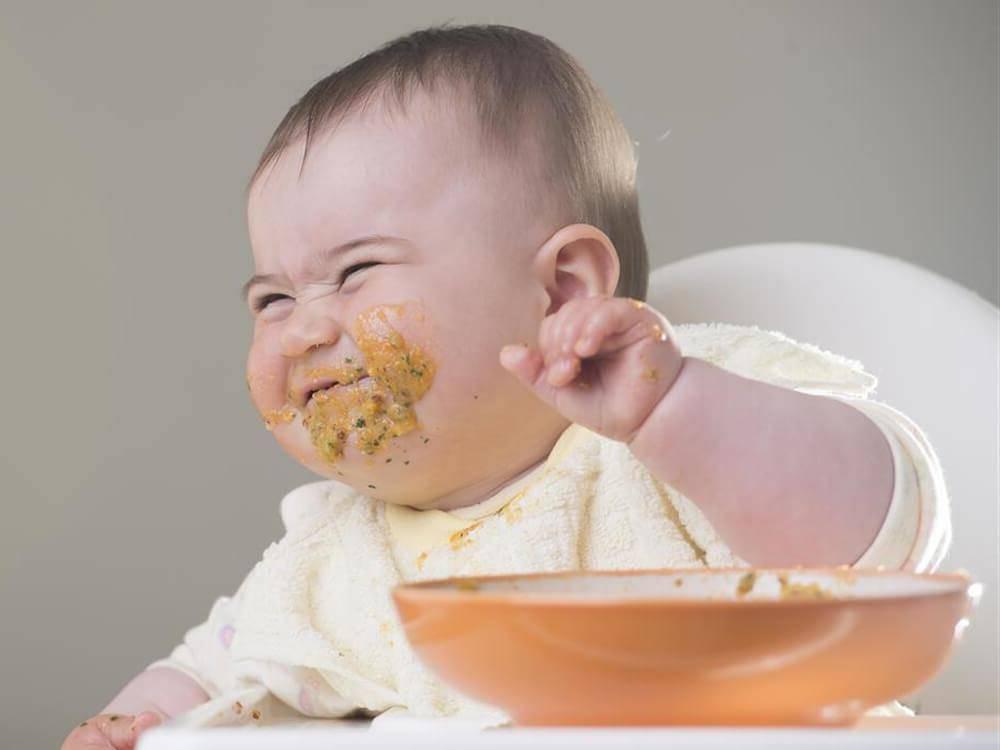 Ребенок не ест кашу: чем кормить на завтрак