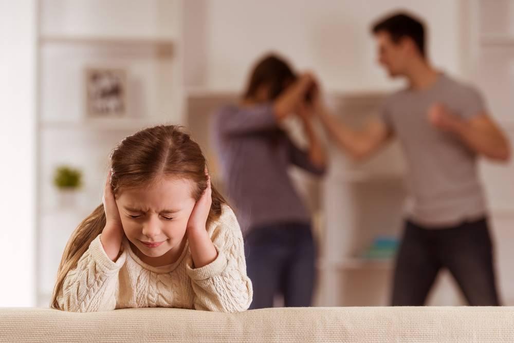 Последствия ссор и конфликтов родителей при ребёнке в семье