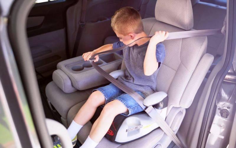 Правила перевозки детей в автомобиле: можно ли пользоваться фэстами и бустерами