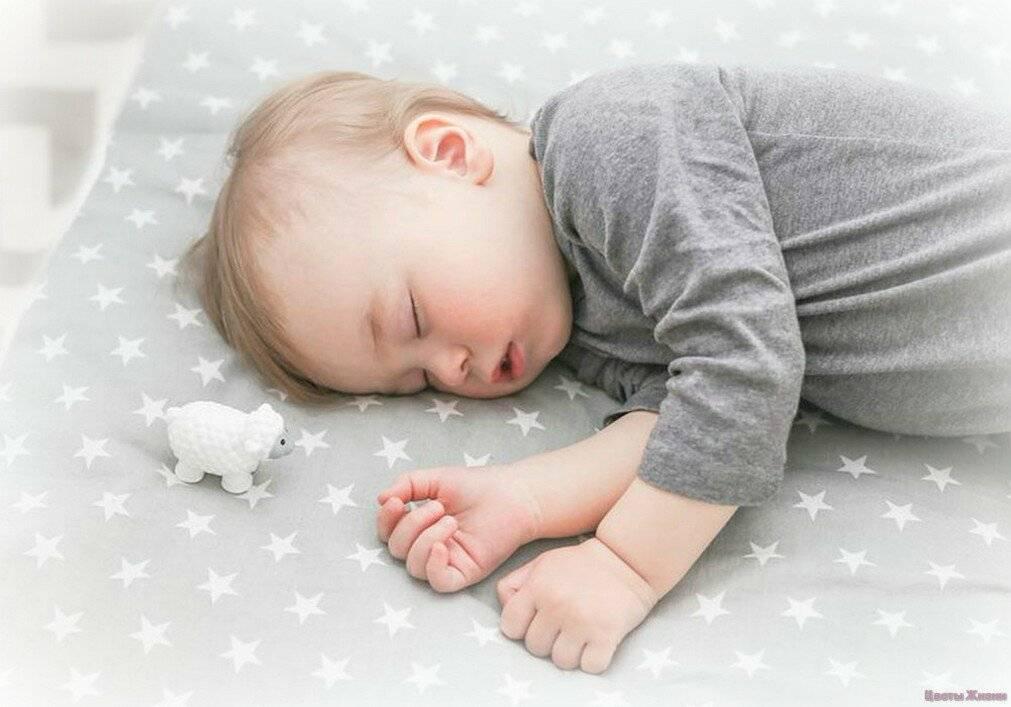 Как уложить ребенка спать без капризов и слез