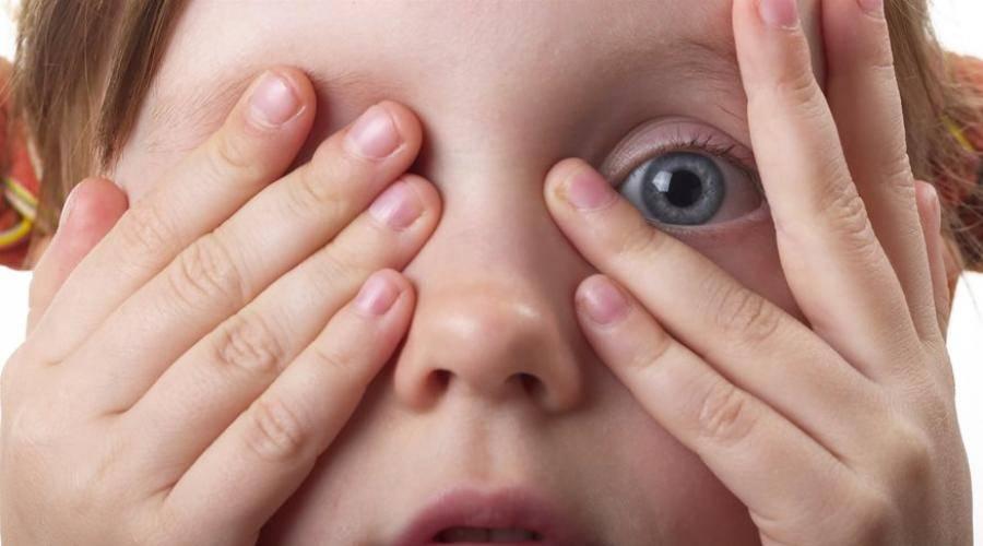 Что делать, когда ребенок часто моргает глазами