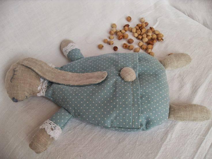 Из чего сделать грелку для новорожденного. грелки для новорожденных от коликов.