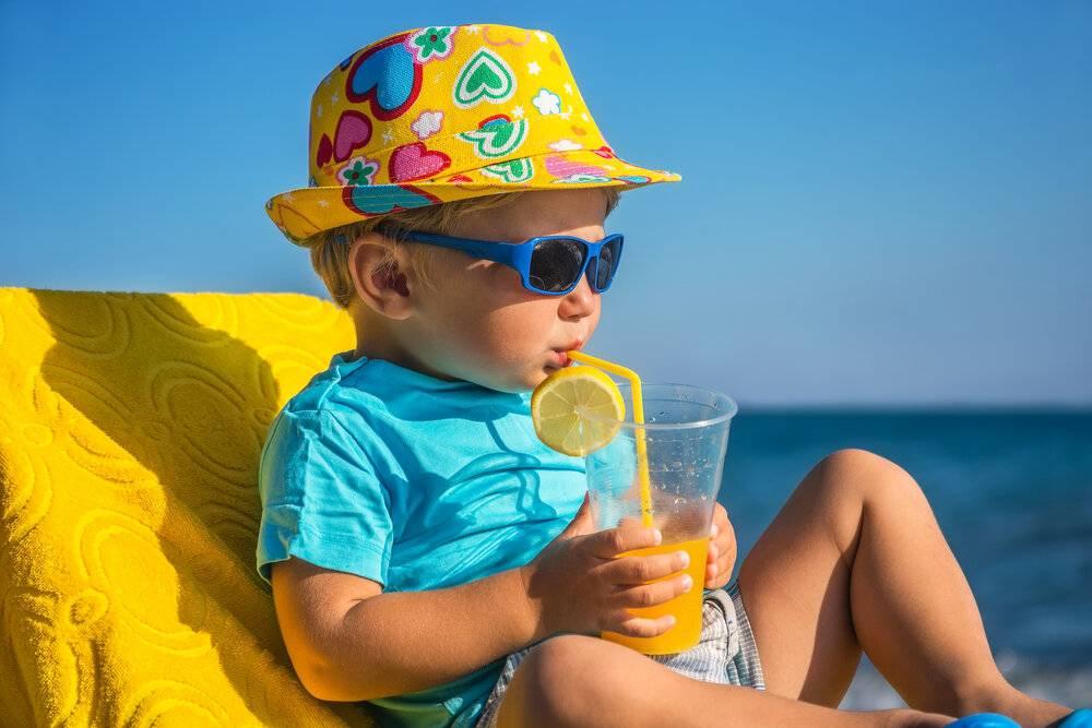 Как уберечь ребёнка в летнюю жару
