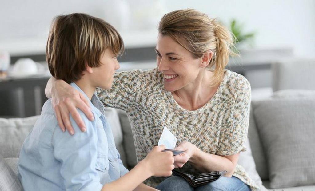 Мнение психолога: 10 основных финансовых ошибок в воспитании детей