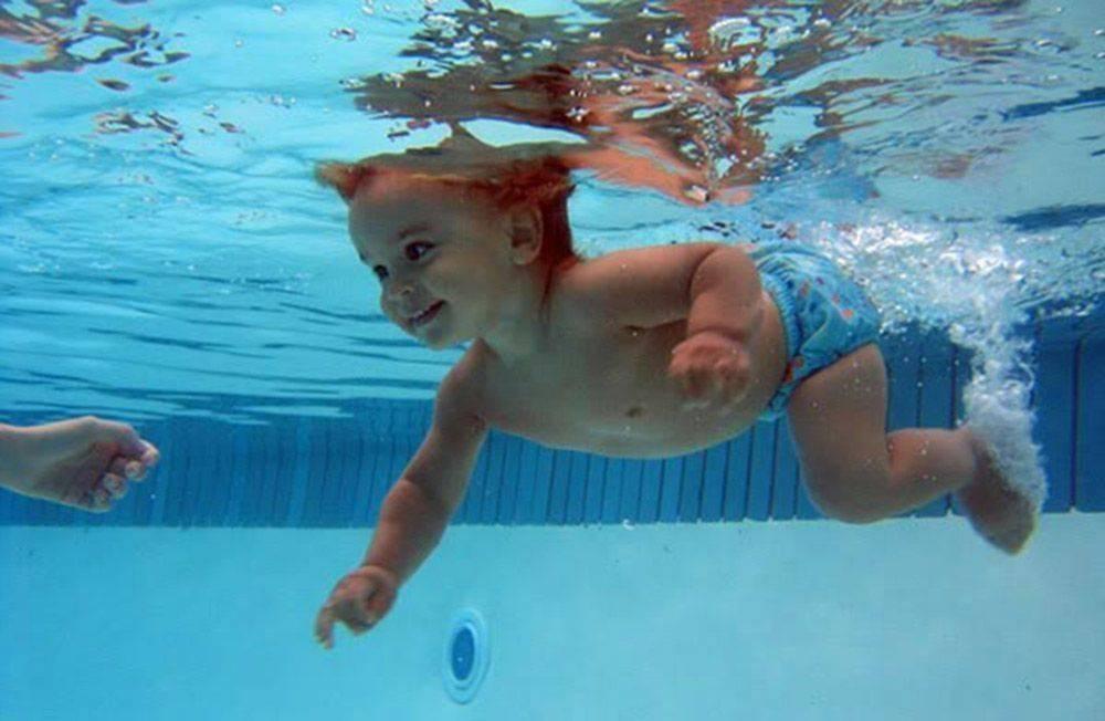 Как научить ребенка плавать: полезные упражнения