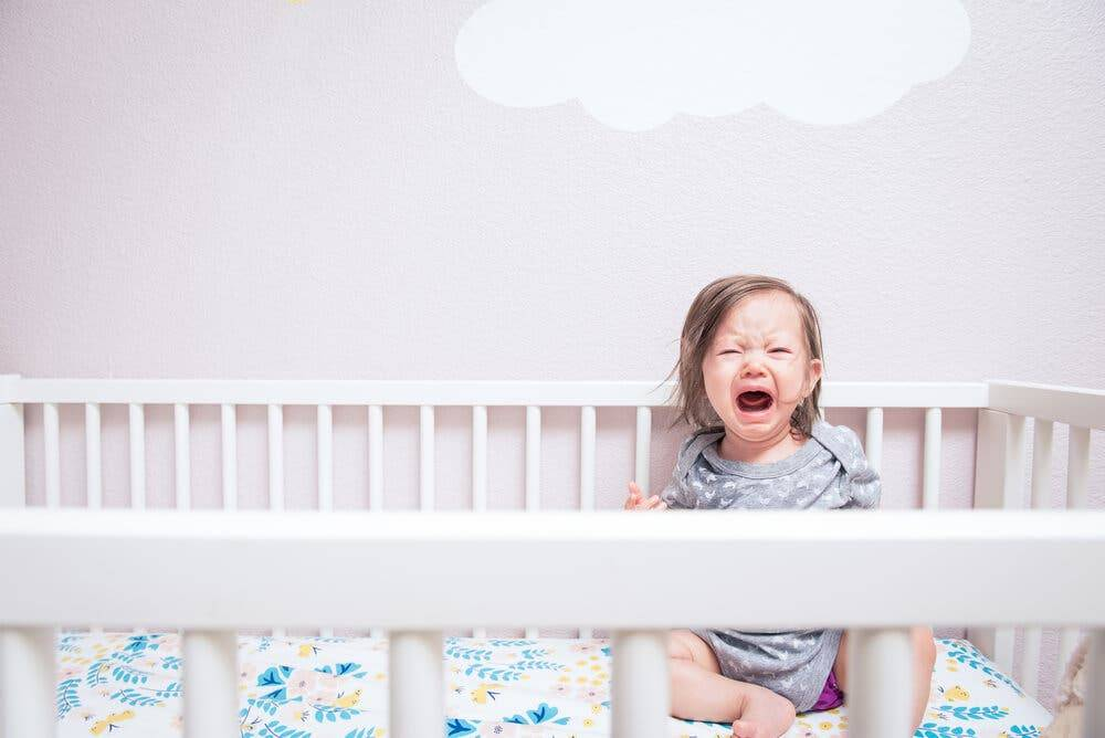Как успокоить плачущего ребенка: 4 способа для новорожденных. как уложить ребенка спать
