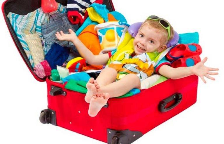 До какого возраста дети летают бесплатно на самолете?