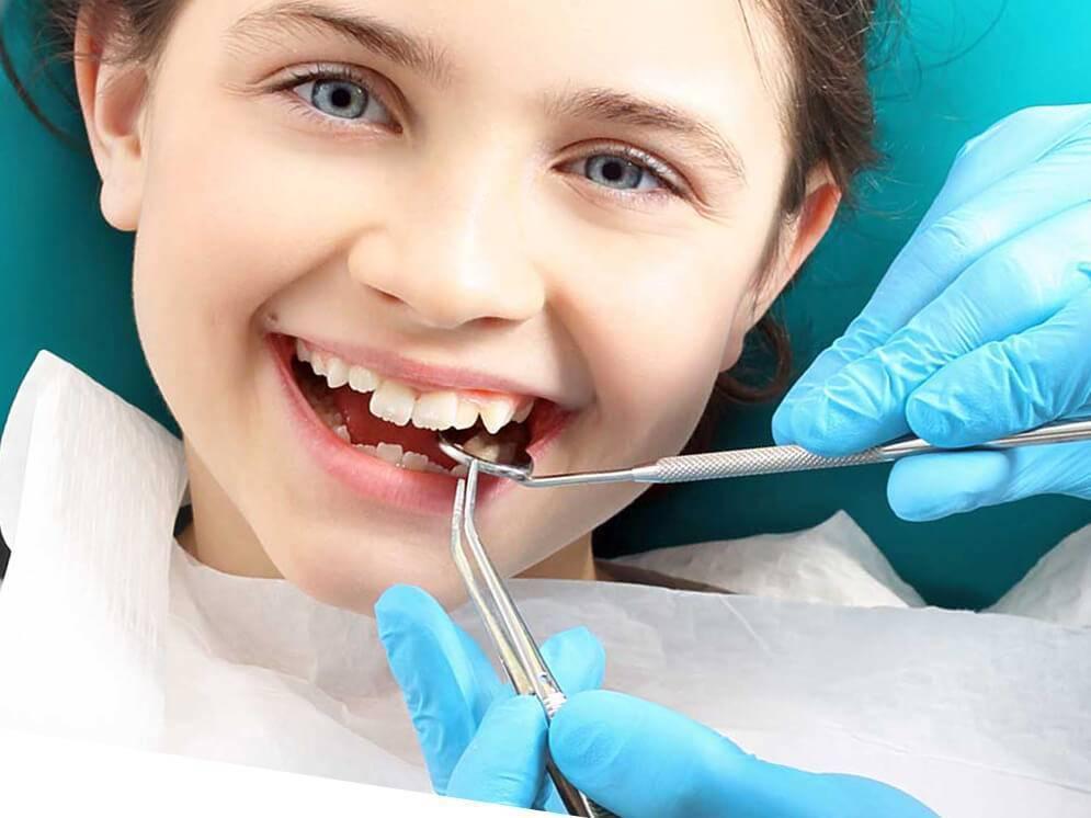 Удаление молочного зуба у детей – как вырвать ребенку временный зуб