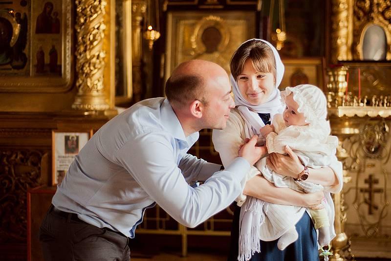 Нужно ли крестить ребенка: за и против. зачем крестить младенца