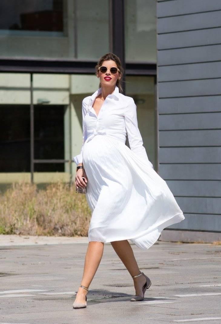 Мода для беременных: где, как и во что одеваться