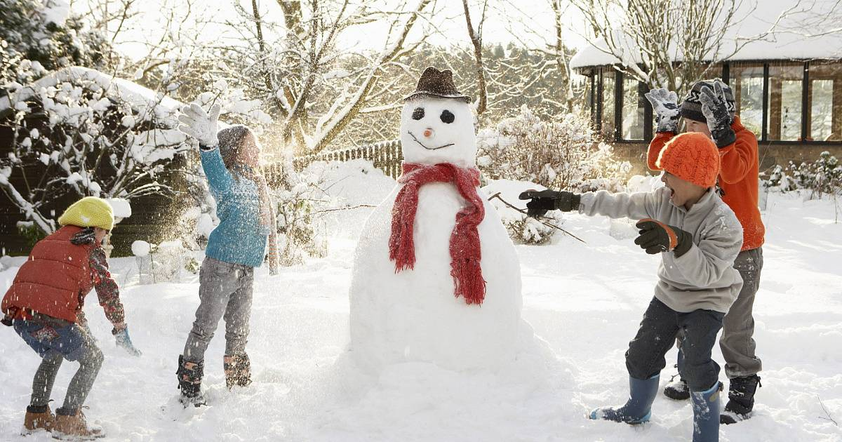 18 веселых новых и давно забытых зимних игр с детьми на улице