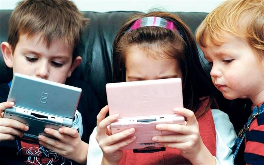 Как гаджеты влияют на детей, и нужно ли от них отучать