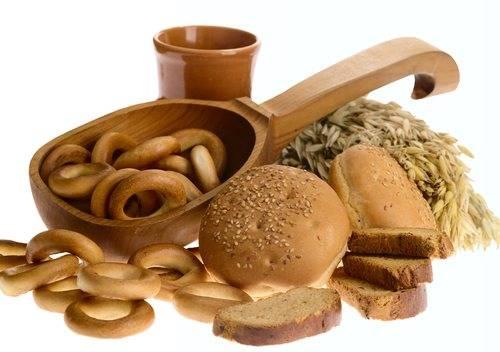 Хлеб при грудном вскармливании, в том числе черный, белый: какой можно кормящей маме в первый и последующие месяцы и другие особенности употребления