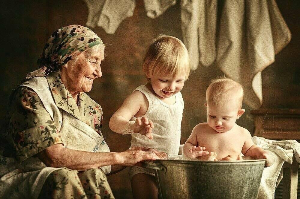 Роль бабушек и дедушек в воспитании и развитии ребенка