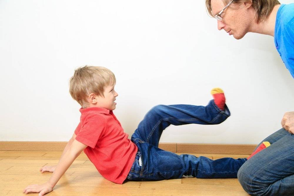 Если ребенок себя плохо ведет: советы психолога