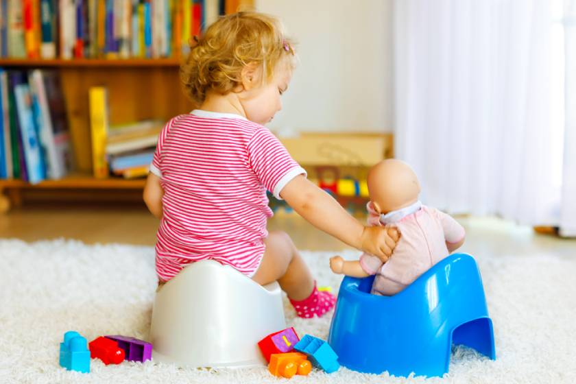 Как в игровой форме приучить ребенка самостоятельно одеваться?