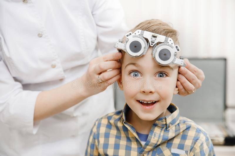 Вредны ли линзы для глаз или нет? «ochkov.net»