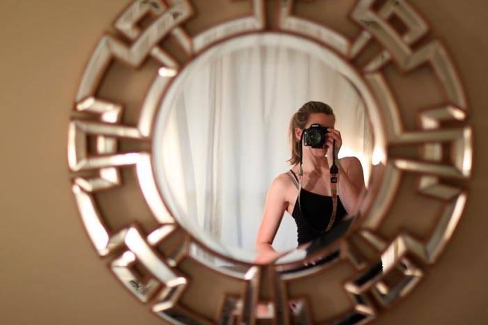 Можно или нельзя ребенку до года смотреться в зеркало? народные приметы и полезные игры