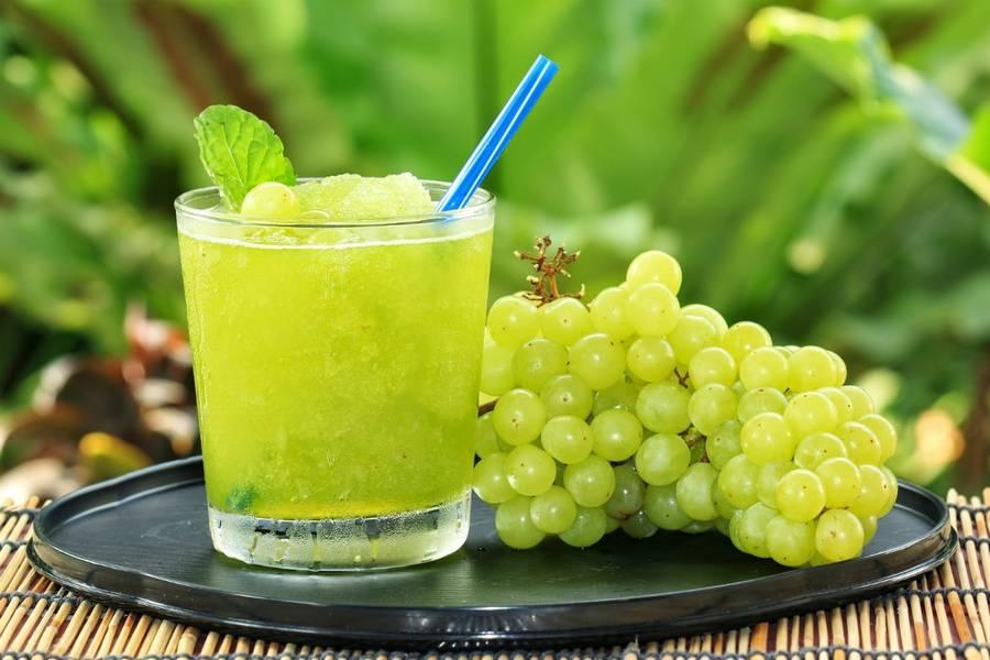 Можно ли виноград при грудном вскармливании зеленый, черный, белый, синий, кишмиш