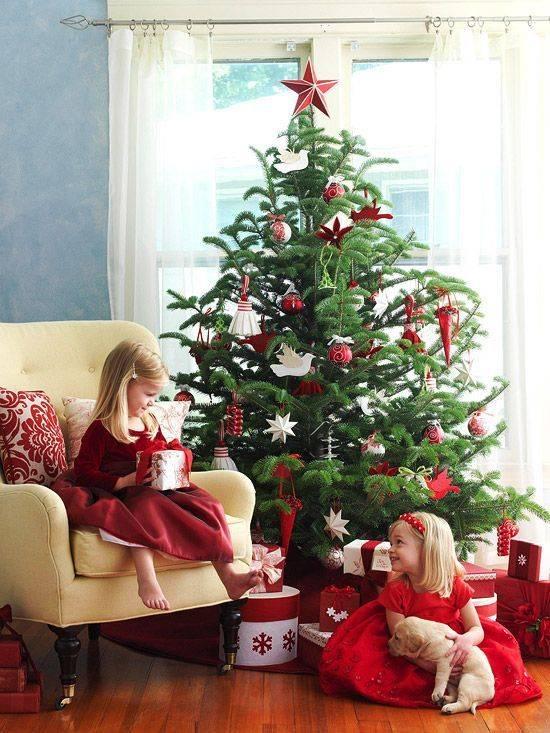 Безопасная елка для малышей: игрушки и украшения своими руками