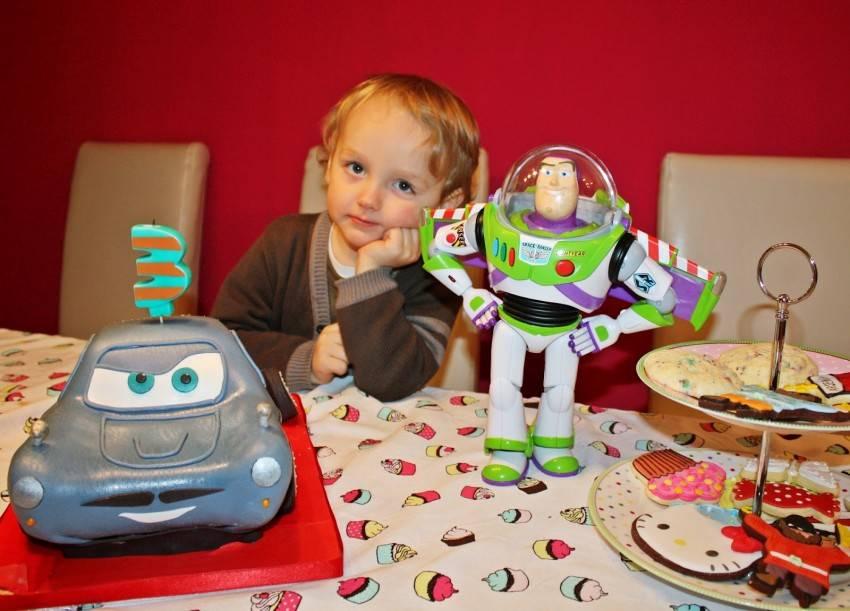 Подарок ребенку на 1 год. подарок мальчику и девочке на год: примеры :: syl.ru