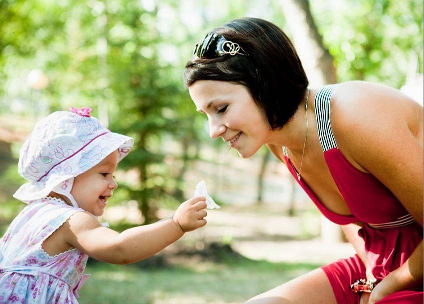 Как часто нужно гулять с новорожденным: основные правила удачной прогулки летом и зимой