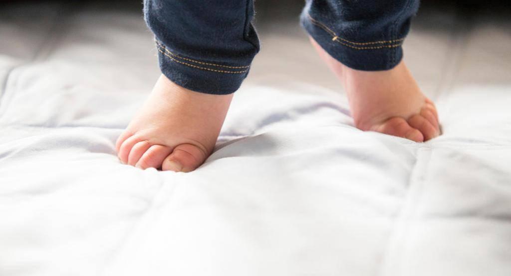 Ребенок ходит на носочках: норма и патология – нейроспектр