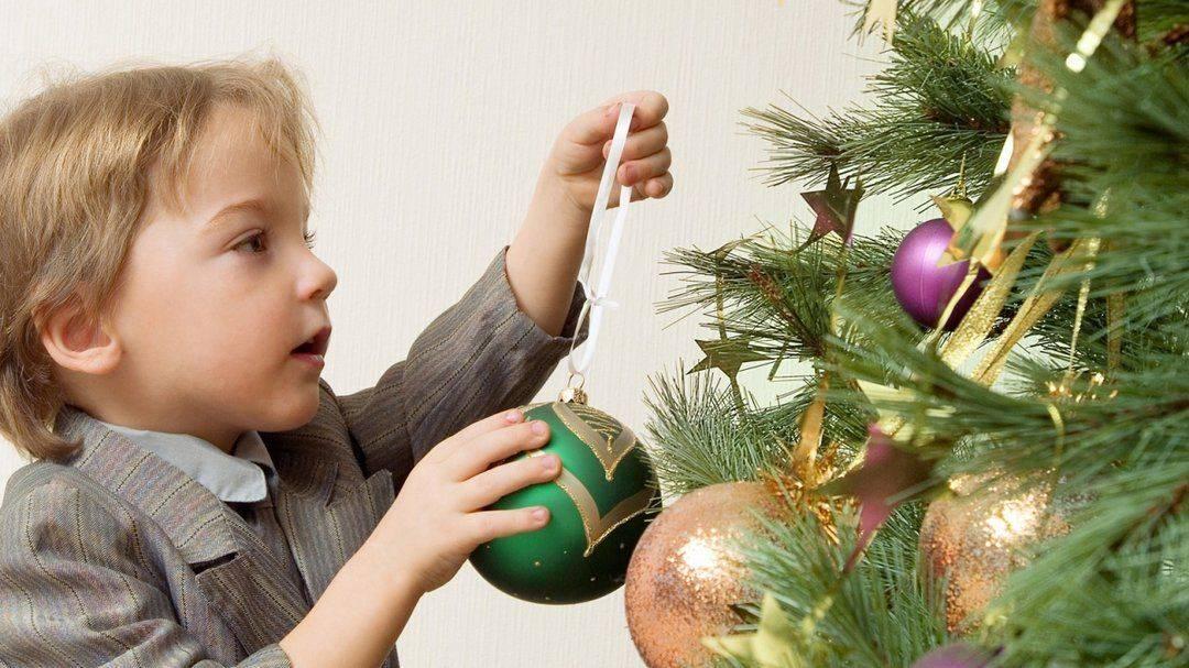 Почему в доме нельзя держать елку: приметы и традиции привлекающие в дом счастье и удачу