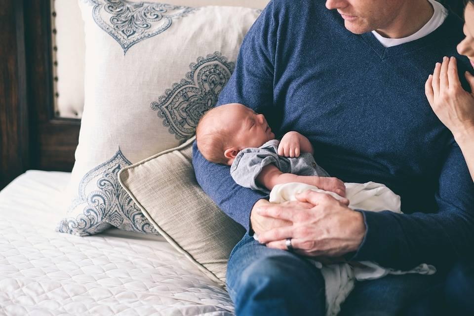 Начинающим от начинающих. заботливые папы и малыши до года