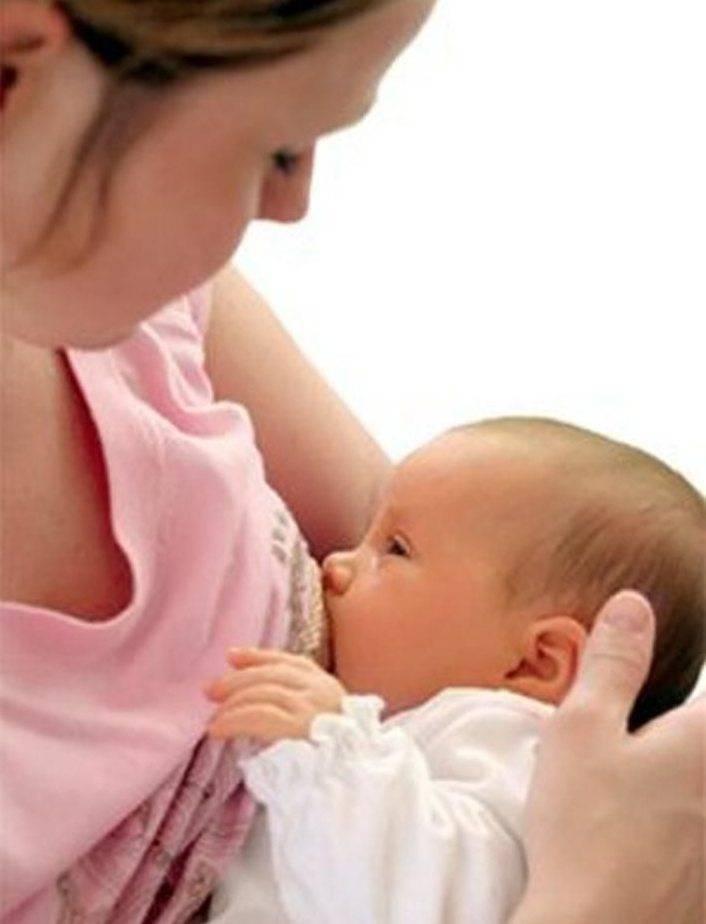 Почему малыш не берет грудь или не наедается