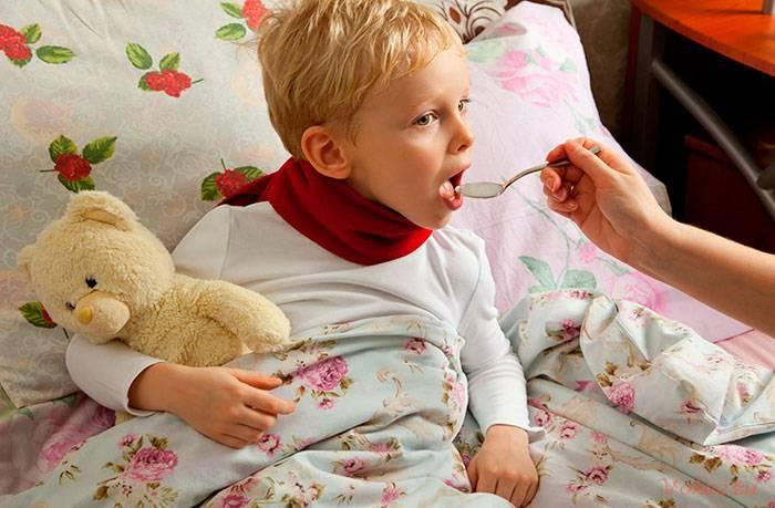 Кашель у ребенка: чем лечить, каким он бывает и когда срочно вызывать скорую помощь