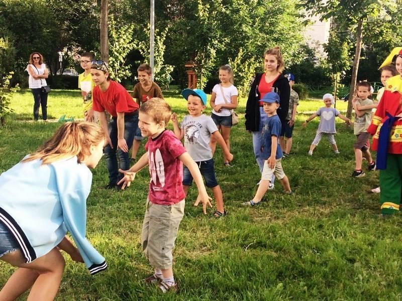 Игры и конкурсы для школьников на осенний бал: как их интересно организовать?