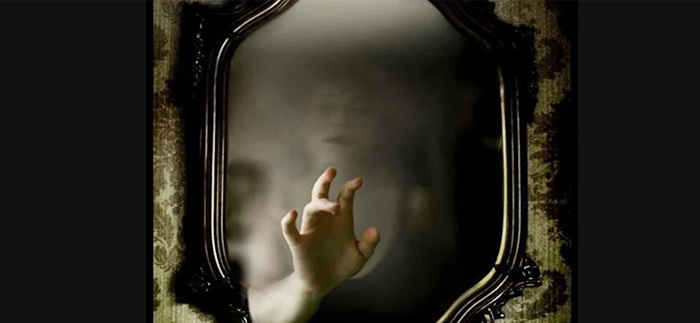Почему нельзя показывать младенца в зеркало: верить ли в примету?